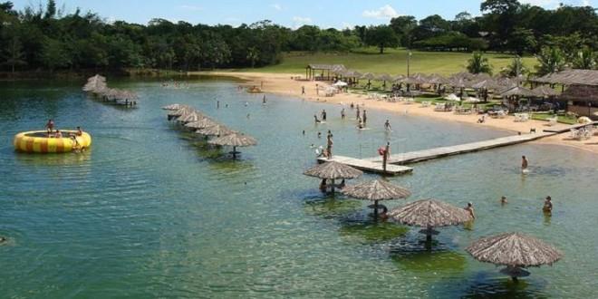 As belezas das praias de água doce pelo Brasil
