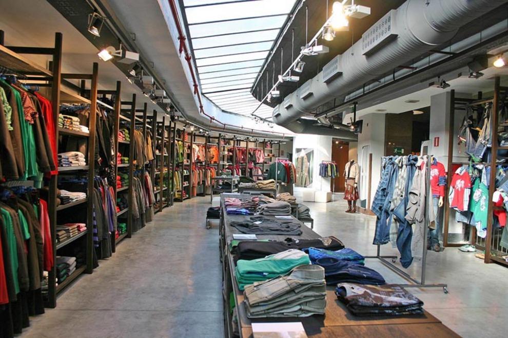 adolfo-dominguez-mens-clothing-madrid-interior_54_990x660_201406011342