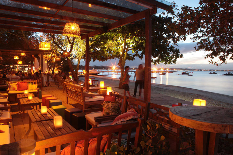 buzios-rio-de-janeiro-porto-da-barra-bares-restaurantes-praia-de-manguinhos